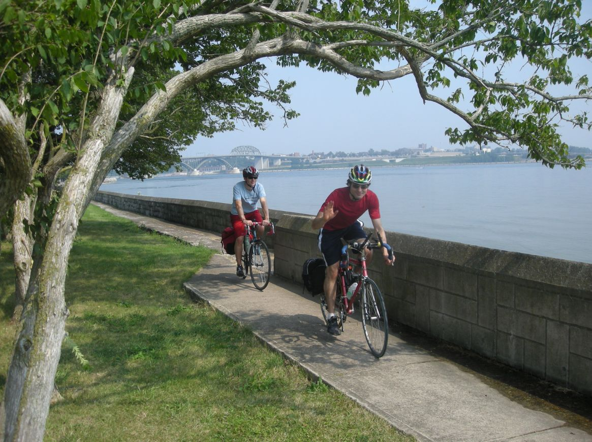Biking_Niagara_River_no_credi_lorest.jpg